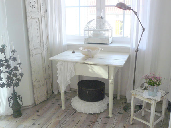 shabby chic tapete weiss die neuesten innenarchitekturideen. Black Bedroom Furniture Sets. Home Design Ideas